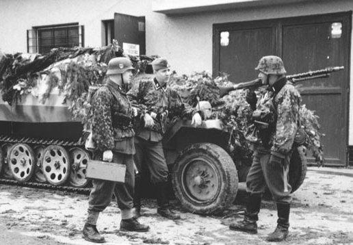 معركة سقوط برلين 1945  Ss-12%20berlin